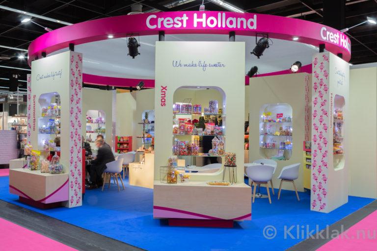 Stand van Crest op de ISM 2019 in Köln. Gebouwd door Salut Expo.